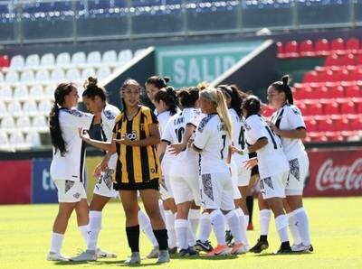 Arrancó la fiesta del fútbol femenino