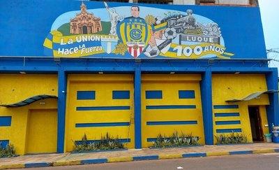 Versus / La ciudad se tiñe de azul y amarillo