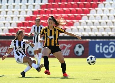 Libertad-Limpeño goleó 5-0 a Guaraní en el estreno del Fútbol Femenino