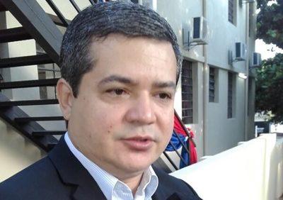 Vacunación irregular: Apartan a Robert Núñez de la XVIII Región Sanitaria