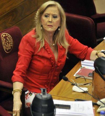 Vacunación vip: PLRA exige pérdida de investidura de senadora Mirta Gusinky