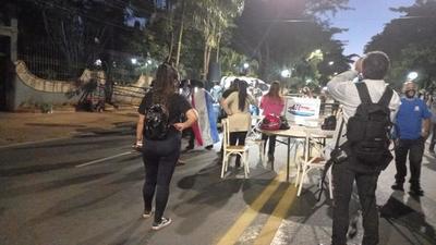 Trabajadores gastronómicos y de eventos protestan contra las restricciones