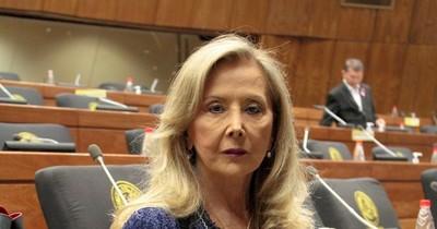 La Nación / Político de la semana: Mirta Gusinky y el escándalo de la vacunación vip