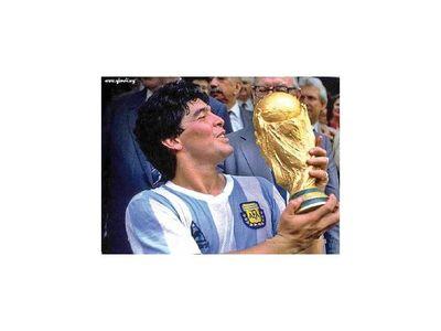 """Maradona falleció """"abandonado a su suerte"""" por su equipo de salud"""