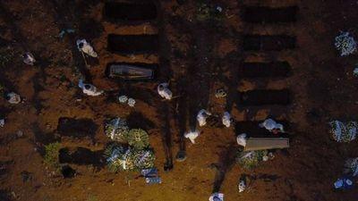 Brasil termina abril como el mes más letal de la pandemia