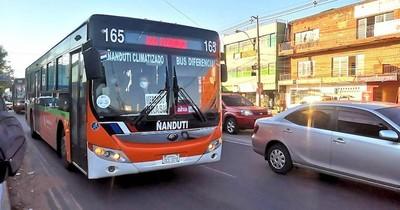 La Nación / Piden abrir las ventanillas de buses