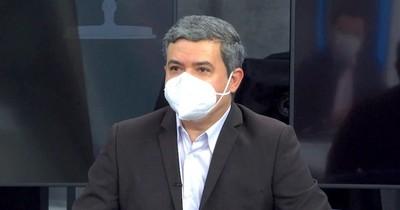 La Nación / Vacunación vip tumba a director sanitario