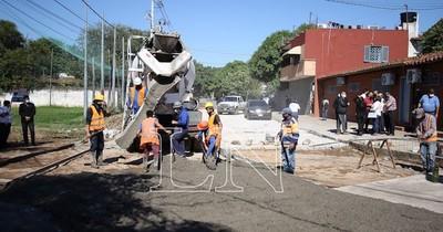 """La Nación / """"Día de gestión en tu barrio"""" mejora las calles en Asunción"""