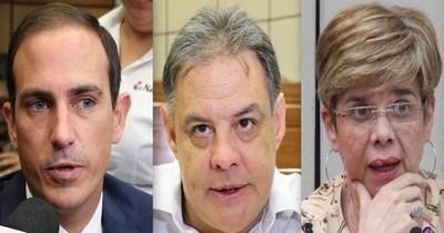 La Nación / Tiene dos caminos, renunciar o ser destituida, advierten