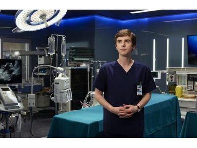 Por Telefuturo, El buen doctor,  en homenaje al personal de blanco