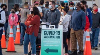 Florida facilita vacunación de indocumentados y turistas al eliminar prueba de residencia