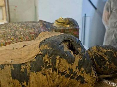 El misterio de una momia egipcia embarazada y su tralado a Polonia