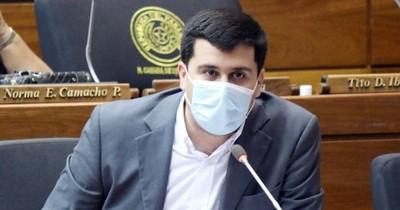 La Nación / Tras el escándalo de vacunas vip, ya hablan de interpelación a Borba