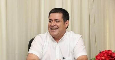 La Nación / Video: Horacio Cartes rindió gratitud a los trabajadores en su día