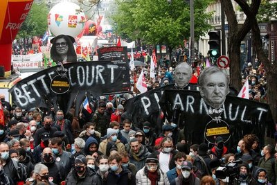Más de 100 mil personas marchan por el Día del Trabajador en Francia