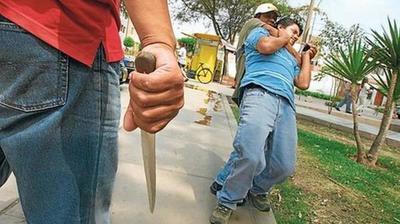 Ola de asaltos callejeros, a  domicilio y en comercios de  Central: la otra epidemia