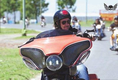 Crónica / RAFA HERMANN. ¿Cómo hace para vivir recorriendo en moto?