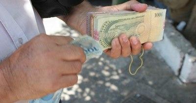 La Nación / El guaraní levemente se sitúa en niveles de las divisas regionales