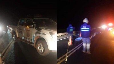 Crónica / Se tiró de una patrullera: dos autos le pisaron