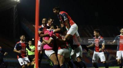 Cerro se queda con el clásico y se prende en el Torneo Apertura