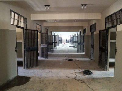Futura cárcel de Emboscada alcanza el 75% de avance