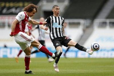 Versus / Con Miguel Almirón, Newcastle fue superado fácilmente por el Arsenal