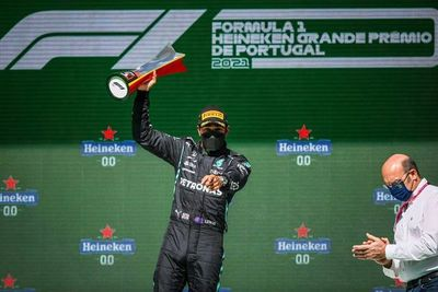 Hamilton (Mercedes) gana en Portugal su segunda carrera de la temporada