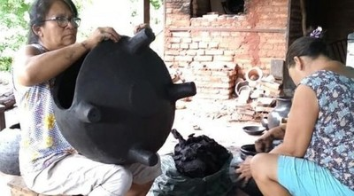 Intimidan a alfareras para dejar de producir tatakuas (hornos) móviles, denuncian