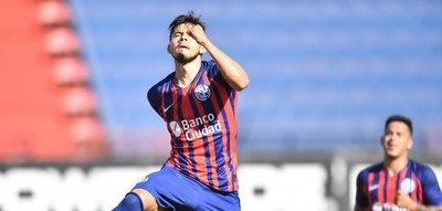 Versus / Óscar convirtió de penal y Juan Espínola le tapó otro a Ángel en la victoria de San Lorenzo