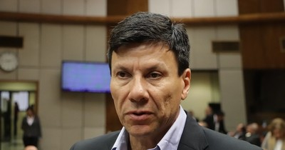 """La Nación / Instan a Gusinky a renunciar: """"Su falta de ética deshonra al Partido Colorado"""""""