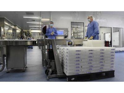 EEUU apoya la distribución mundial de las vacunas a precio de coste
