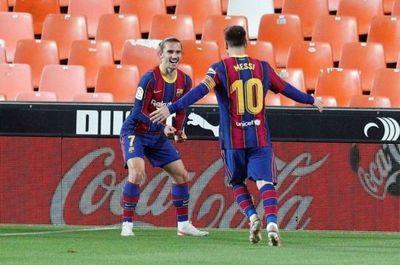 Barcelona remonta y mantiene el pulso a la Liga española