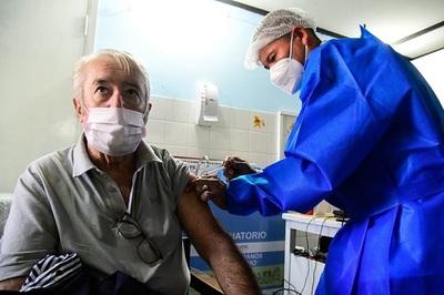 PAI: Hay un plan de contingencia para evitar que se pierdan las dosis de un frasco de vacuna