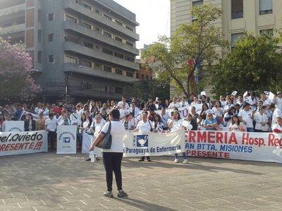 Enfermeros anuncian movilización masiva para el 11 de mayo