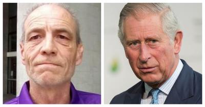 """Hombre de 55 años asegura ser hijo del príncipe Carlos y Camilla: """"Me cambiaron el color de los ojos para encubrirlo"""""""