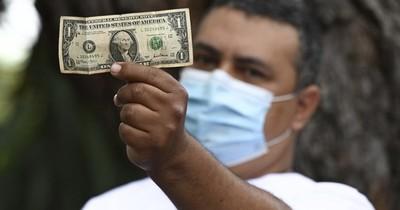 La Nación / Venezuela aumenta salario mínimo a 2,5 dólares y no alcanza para un kilo de carne