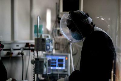 Argentina renueva medidas para evitar colapso mientras avanza la vacunación