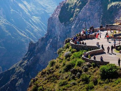 Perú eleva al Titicaca y el Valle del Colca a máxima categoría turística