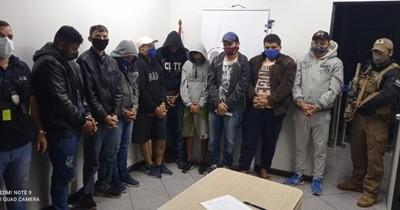 La Nación / Migraciones expulsa a 9 brasileños tras operativo antidrogas