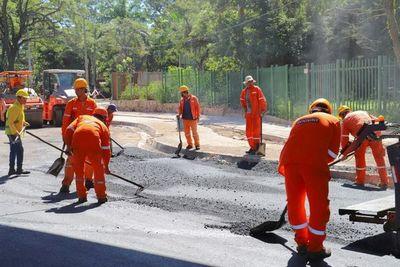 Sigue el asfaltado de la retrasada y encarecida obra del corredor vial Botánico