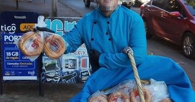 La Nación / Ejemplo de superación: el pintoresco vendedor de chipas que guarda una dura historia de vida