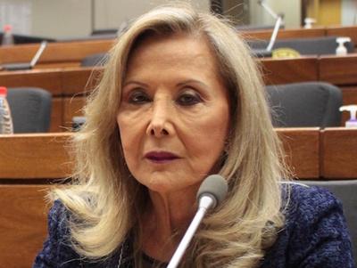 Renunció Mirta Gusinky