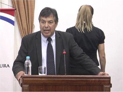 Ex fiscal general también recibió dosis sin tener edad requerida
