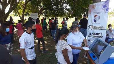 Campo 9: Realizan simulacros de votación en comunidades indígenas de J. Eulogio Estigarribia