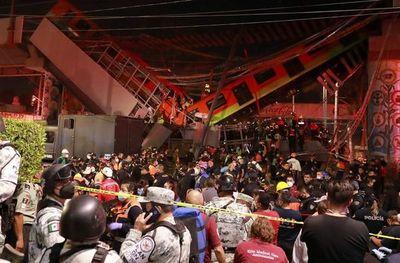 15 muertos y 70 heridos al hundirse una vía elevada metro en Ciudad de México