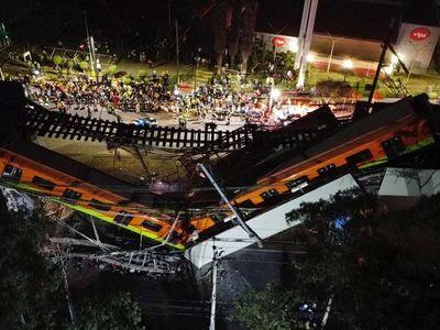23 muertos y 65 hospitalizados al desplomarse un metro en México
