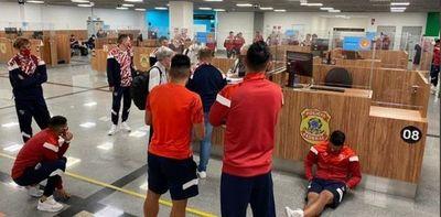 Independiente quedó retenido en el aeropuerto de Salvador