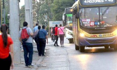 """6 empresas de transporte, con sumarios abiertos por """"reguladas"""""""