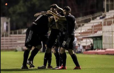 Libertad gana y se convierte en el único puntero del Apertura