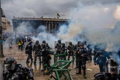 Colombia: la renuncia del ministro de Hacienda no aplaca las protestas que ya dejan 19 muertosr